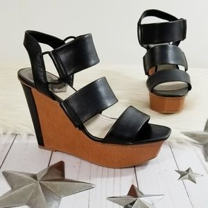 Vince Camuto Niskera wedge sandals black strappy 6